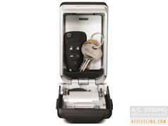 Master 5425 Light-Up Key Safe